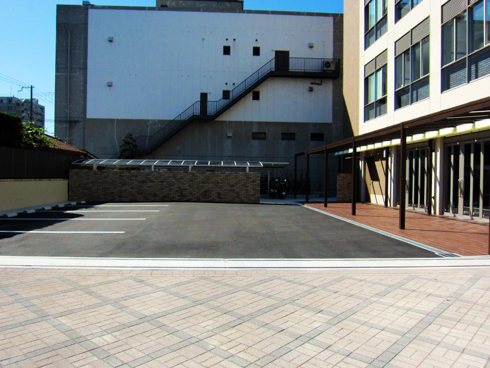 みかしほ学園 駐車場