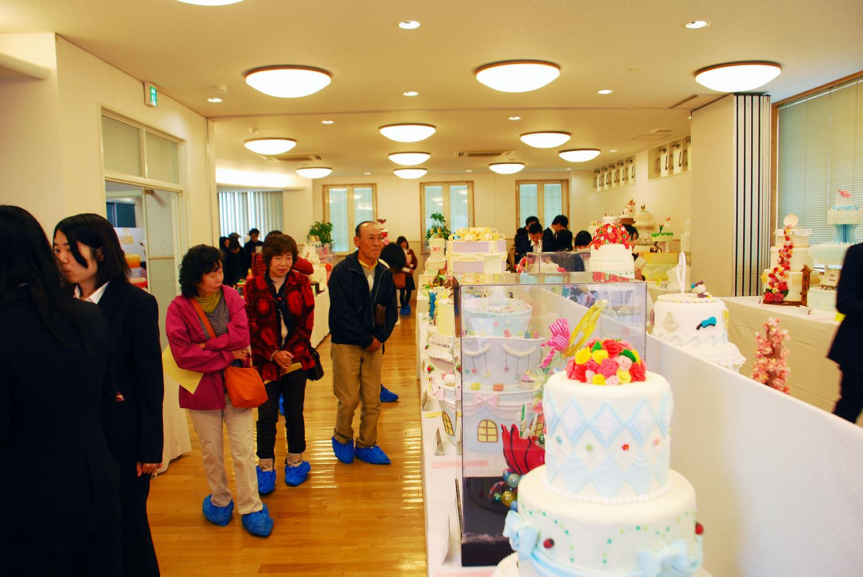 製菓校普通教室 製菓学生による工芸菓子の展示