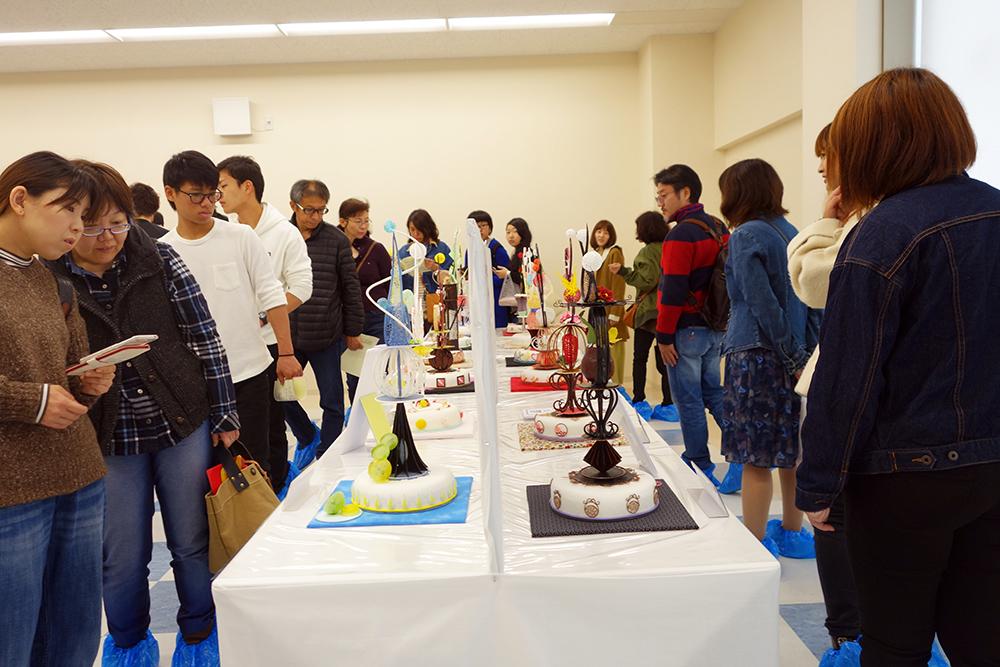 製菓校6F 製菓技術科2年生の工芸菓子展示