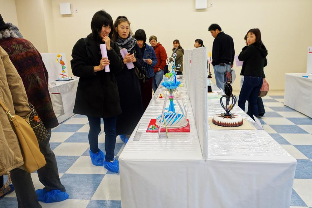 製菓校5F普通教室 製菓学生による工芸菓子の展示