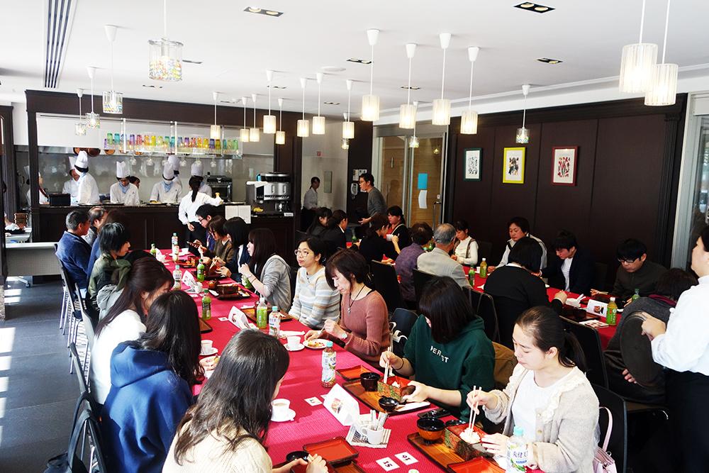 調理校1Fレストラン
